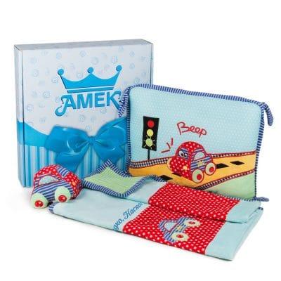 Подаръчен комплект за бебе с ВАШ надпис