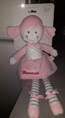 Бебешка мека кукла DOLLY с Надпис
