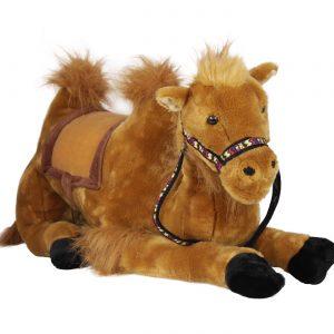 Плюшена камила