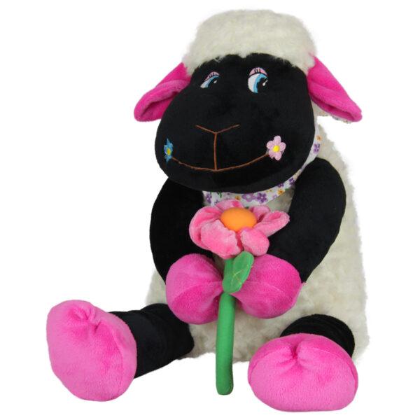 Овца с цвете